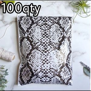 """100 poly mailers snake print size 10""""x13"""""""